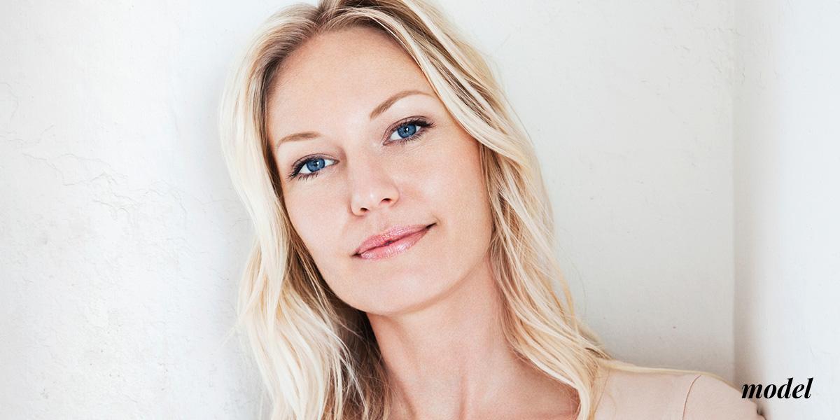 NaturalImage_liquid facelift_Image_Blondewith blue eyes smiling